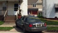 Dreijähriger erschießt Einjährigen