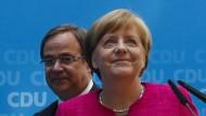Bundeskanzlerin Angela Merkel und NRW-Wahlsieger Armin Laschet (beide CDU) in Berlin