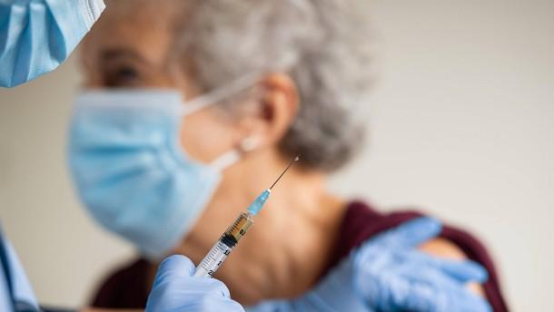 Viele Deutsche zweifeln an der Impfstrategie