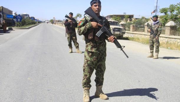 Tote und Verletzte bei Anschlag auf Geheimdienstbasis in Afghanistan