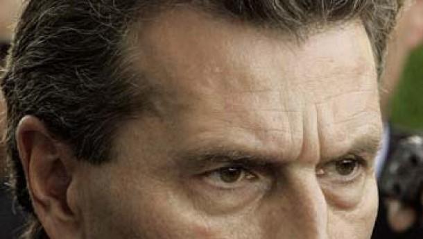 Oettinger nimmt Abstand von Filbinger-Institution