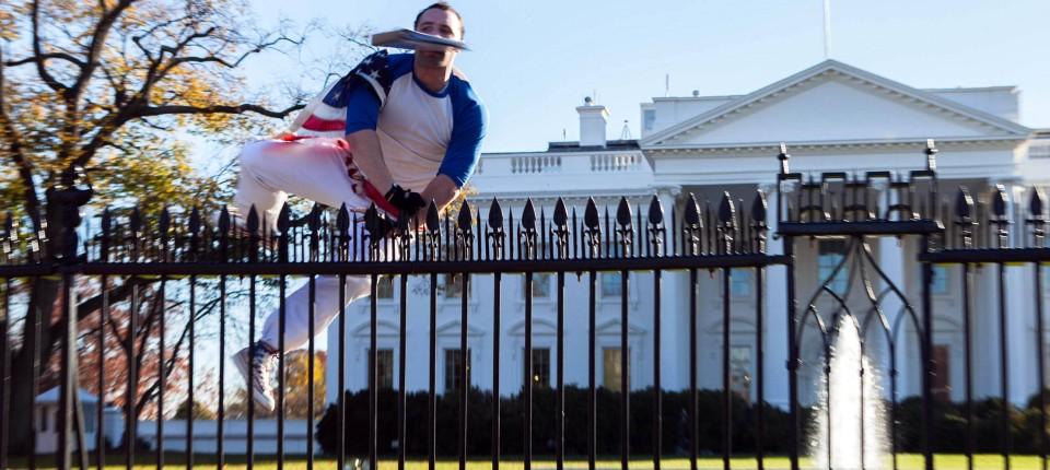 Mann Uberwindet Zaun Des Weissen Hauses