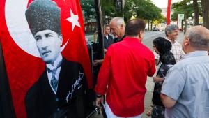 Die Atatürk-Flagge bleibt draußen