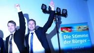 Jubel nach dem überraschenden Wahlerfolg der AfD bei der Landtagswahl in Sachsen-Anhalt im März: André Poggenburg und Björn Höcke