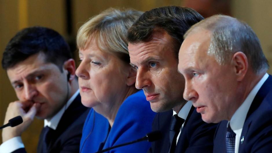 Nächtliche Pressekonferenz: Selenskyj, Merkel, Macron und Putin im Elysée-Palast