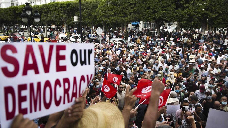Proteste am 18. September 2021 in Tunis gegen den Verfassungsputsch des tunesischen Präsidenten Kais Saied