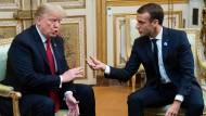 Nicht die allerbesten Freunde: Donald Trump am 10. November beim Treffen mit Emmanuel Macron im Élysée-Palast.