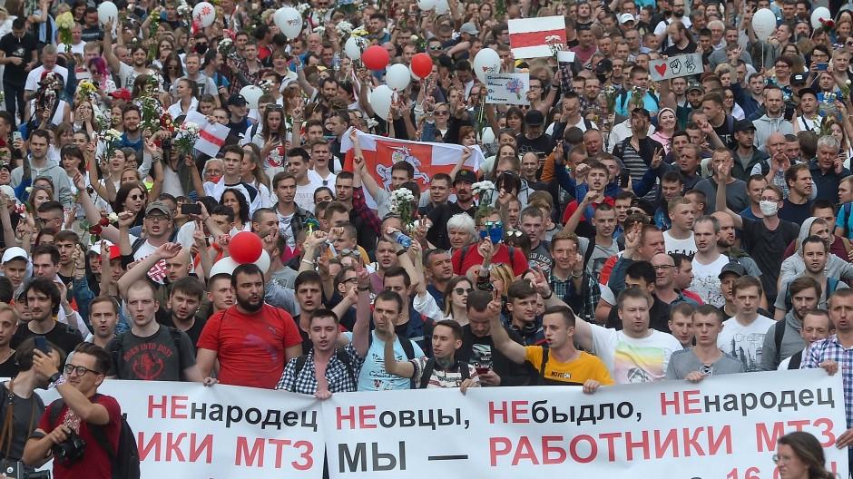 Demonstration in Minsk am 14. August
