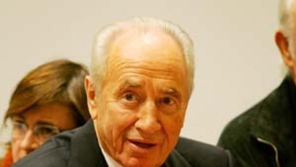 Peres tritt aus Arbeiterpartei aus