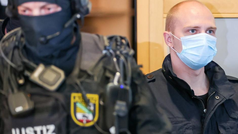 Der Attentäter von Halle, Stephan B., am 29. Juli 2020 im Gerichtssaal in Magdeburg