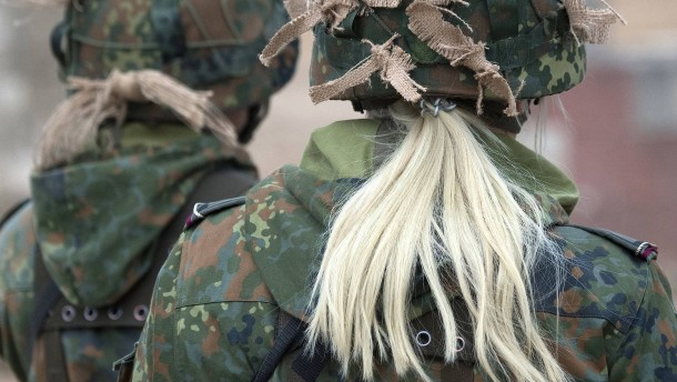 Keine weiblichen Dienstgrade für die Bundeswehr