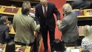 Papandreou übersteht Vertrauensabstimmung