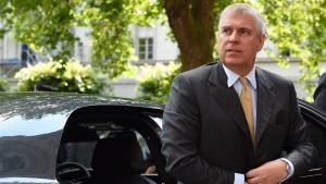 Gericht streicht Sexvorwürfe gegen Prinz Andrew aus Akten