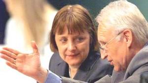 Parteispitze stellt sich hinter Merkel