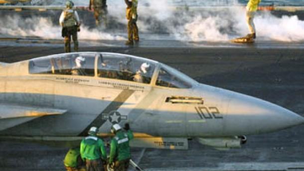 Fischer schließt deutsche Zustimmung zu Irak-Krieg nicht aus