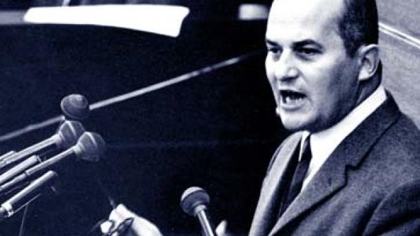 Der Mann zwischen Adenauer und Kohl