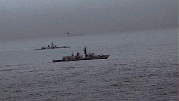 Britische Marine verfolgt russische Kriegsschiffe