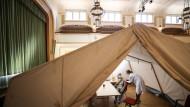 Nicht viel los: Ein mobiles Impfzentrum in Sachsen