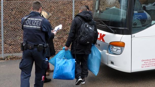 Polizeiaktion in Erstaufnahmeeinrichtung für Flüchtlinge