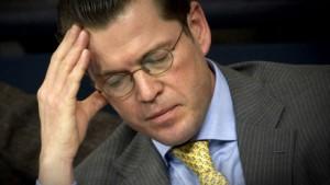 Guttenberg wirft Opposition Niveaulosigkeit vor