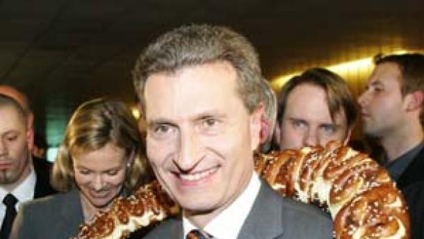 Oettinger überraschend gut