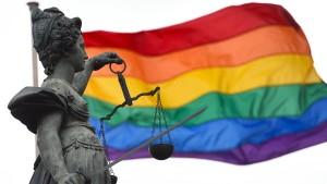 Kabinett beschließt Rehabilitierung verurteilter Homosexueller