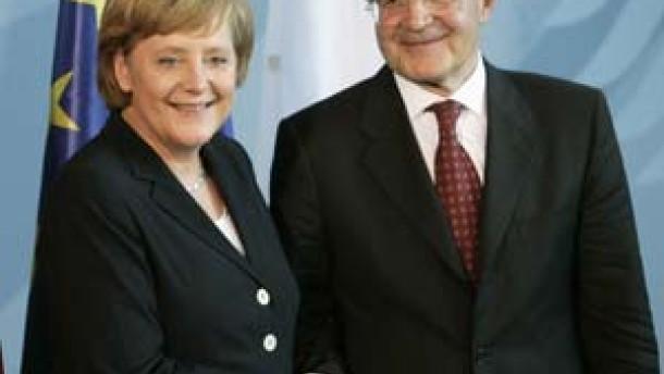 Merkel mit Schlüsselrolle in Verfassungskrise