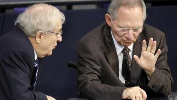 Schäuble schließt Steuererhöhungen nicht aus