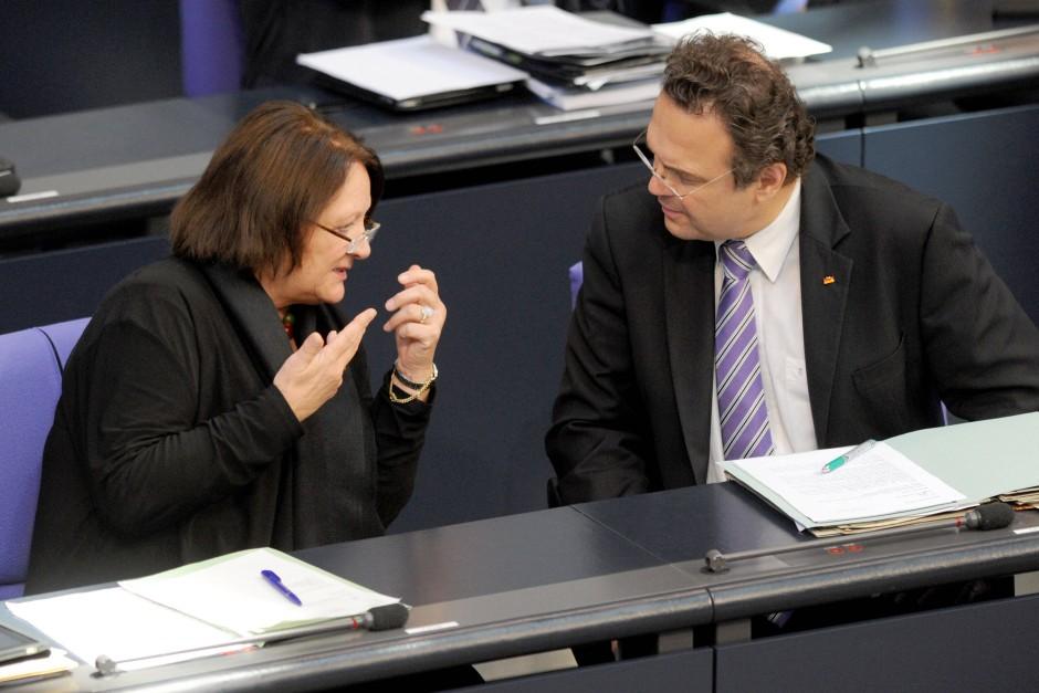 Streiten über die Innere Sicherheit: Leutheusser-Schnarrenberger und Friedrich
