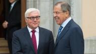 Steinmeier und Lawrow: Ukraine-Dialog wieder beleben
