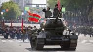 """Spannungsgeladene Region: Siegesparade vom 9. Mai in Tiraspol, der """"Hauptstadt"""" Transnistriens"""