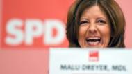 Fröhlich ohne AfD: Die rheinland-pfälzische Ministerpräsidentin und SPD-Spitzenkandidatin Malu Dreyer am Samstag auf dem Landesparteitag in Mainz.