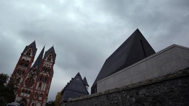 Staatsanwaltschaft prüft Untreueverdacht gegen Bischof