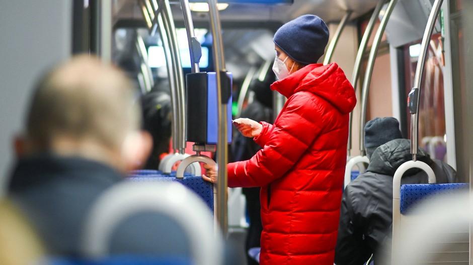 München: In Bayern gilt bereits eine Pflicht zum Tragen von FFP2-Masken im öffentlichen Nahverkehr.