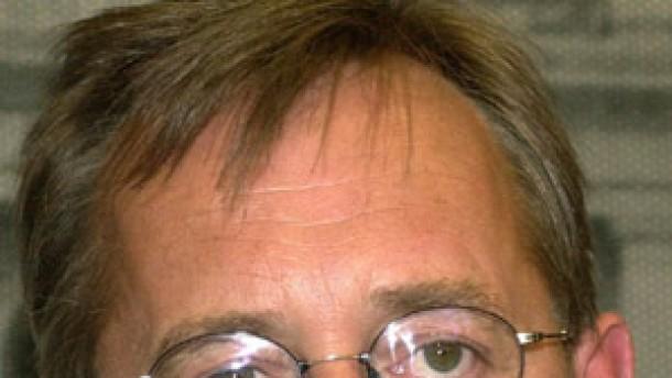 Strieder legt Ämter nieder