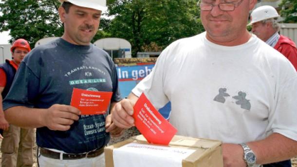 Bauarbeiter votieren für Streik