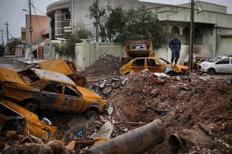 bild zu schwere explosion in mossul amerika schlie t verantwortung f r tote zivilisten nicht. Black Bedroom Furniture Sets. Home Design Ideas