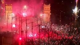 Zehntausende Nationalisten marschieren durch Warschau