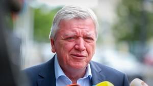 Bouffier will keine übereilte Entscheidung über Burka-Verbot