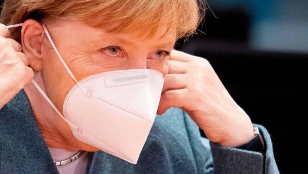 Merkel rechnet noch lange mit Corona-Einschränkungen