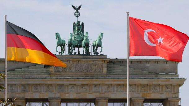 Jeder zweite Türke erhält Schutz in Deutschland