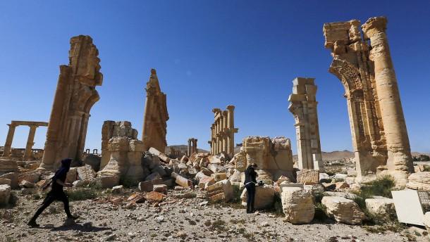 Menschenrechtler: Palmyra fällt an Islamisten