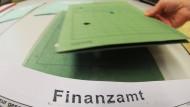 Bis zum 31.12. zum Finanzamt – Steuerhinterzieher können diese Jahr noch viel Geld sparen, bevor sie entdeckt und bestraft werden