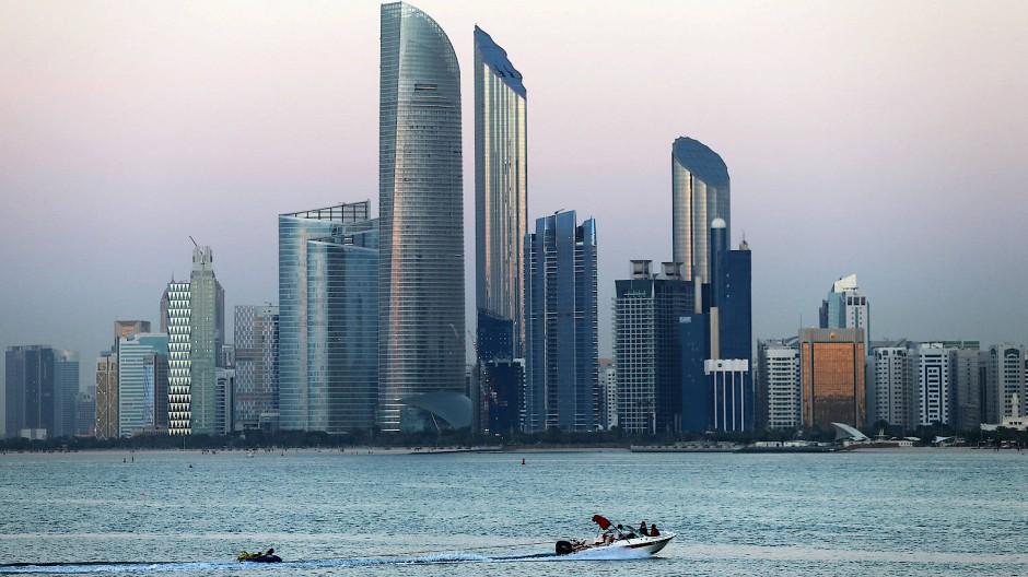 Die Macht am Golf: Die Skyline des Emirats Abu Dhabi.