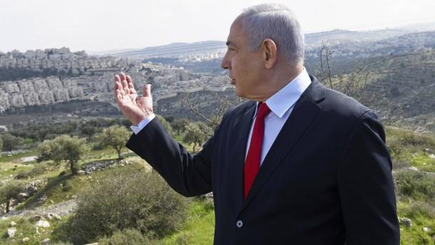Zögert Netanjahu wegen Trumps Schwäche?