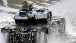 Regierung genehmigt mehr Rüstungsexporte