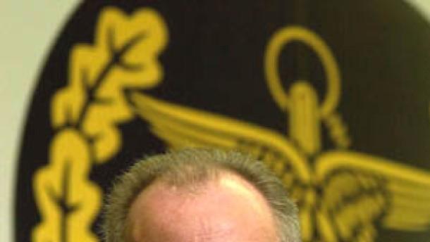 """Regierung dementiert Spekulationen über """"Aus"""" für Scharping"""