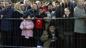 Scharfe Töne in türkischen Zeitungen