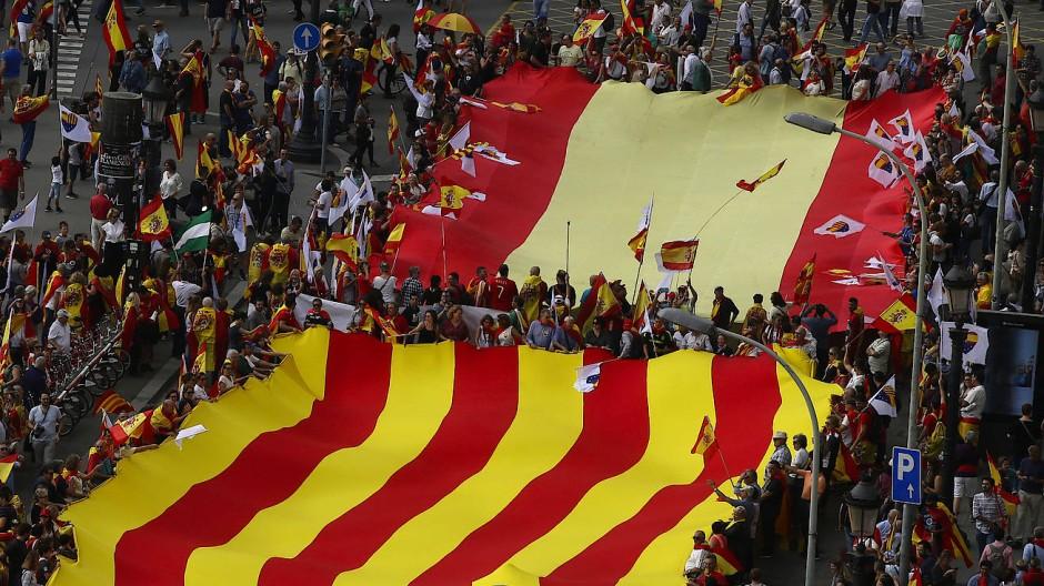 Katalonien: Kommentar zur Krise in Spanien