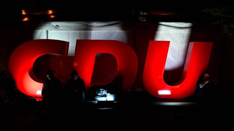 Kämpfen oder kapitulieren? Die CDU ringt mit sich, wie sie mit dem Wahlergebnis umgehen soll.